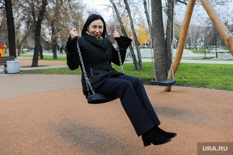 Выезд Натальи Котовой по объектам благоустройства Центрального района. Челябинск, алое поле, котова наталья, качели