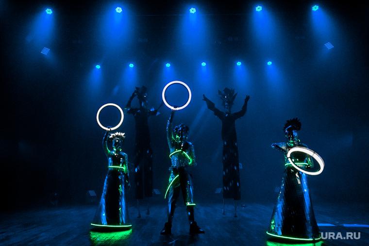 День рождения театрального центра Космос. Тюмень, шоу, лазерное шоу, световое шоу, перформанс