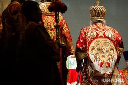 Божественная литургия перед крестным ходом, который посвящен 101-летию со дня убийства царской семьи. Екатеринбург