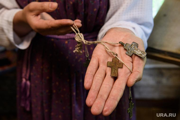 Музей старообрядчества в селе Роща. Свердловская область, Шалинский район, старообрядцы, христианство, нательный крест
