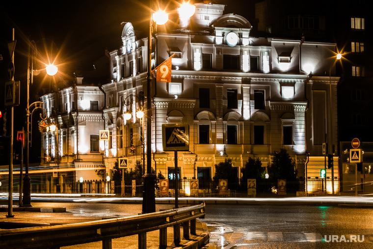 Тюмень ночная. Россия, май 2020, фонари, ночь, дорога, огни города, тюмень, виды тюмени, подсветка здания
