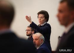 Встреча губернатора ХМАО Натальи Комаровой с дольщиками компании «СеверСтрой». Сургут