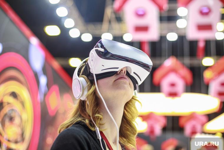 Санкт-Петербургский международный экономический форум. Третий день. Санкт-Петербург, очки виртуальной реальности, технологии
