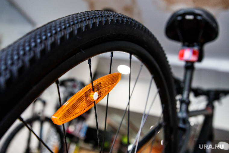 Высокотехнологичные дорогие велосипеды. Екатеринбург, велосипед, катафот, светоотражатель