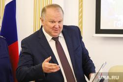 Полпред Президента РФ в УрФО Николай Цуканов на заседании правительства. Курган