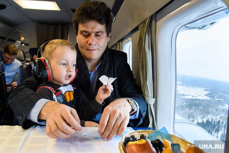 Полет мальчика Артема на вертолете. Екатеринбург