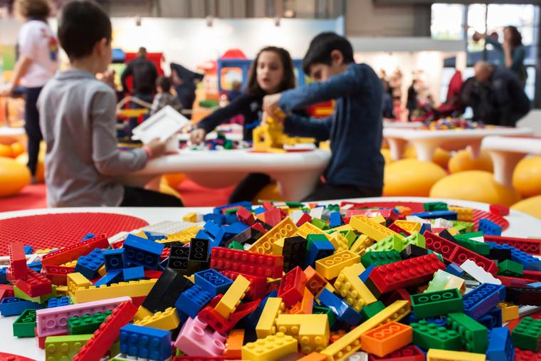 Клипарт depositphotos.com, семья, веселье, конструктор, активный отдых, дети, отдых