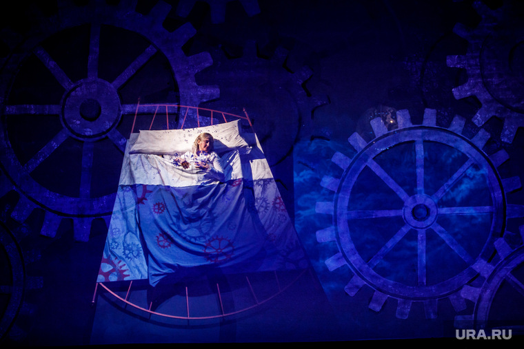 Генеральная репетиция новой постановки оперы «Волшебная флейта». Екатеринбург, сон, кровать, бессонница