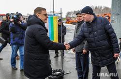 Осмотр Алексеем Текслером и Натальей Котовой новой дорожной и снегоуборочной техники. Челябинск