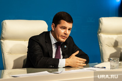 Пресс-конференция губернатора ЯНАО Дмитрия Артюхова. Салехард