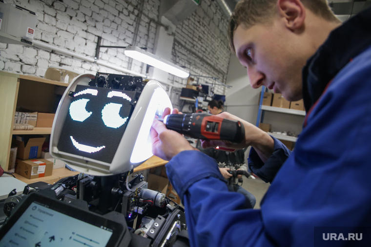 Подписание Соглашения о создании и поддержке Федерального центра робототехники на базе пермского технопарка «Морион Digital» и ООО «Промобот» Пермь, робототехника, робот