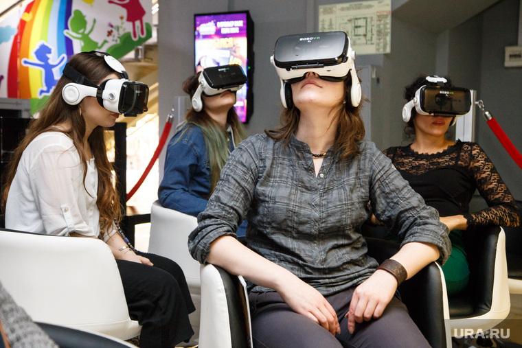 Презентация первого российского VR кинозала (виртуальная реальность). Екатеринбург, vr, virtual reality, виртуальная реальность, очки vr, шлем виртуальной реальности