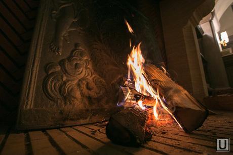13.10.23. Castorka, огонь, камин, дрова горят