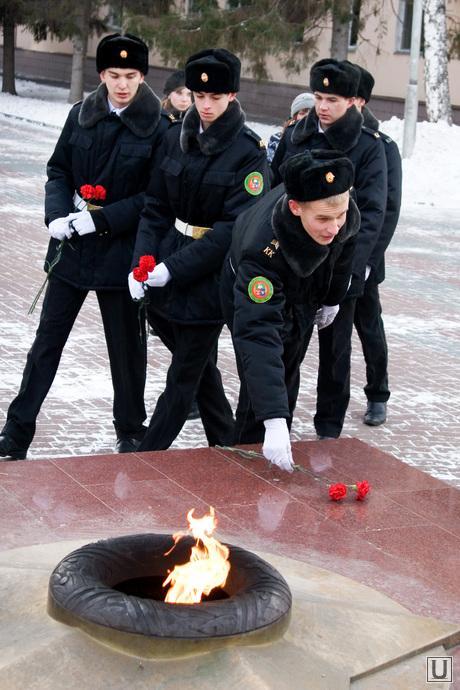 День Героев Отечества Алея славы Курган, вечный огонь