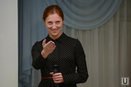 Итоговая пресс-конференция Куйвашева 2014. Екатеринбург, картуз мария