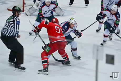 Хоккей Автомобилист-Сибирь