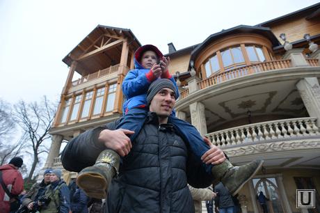 Дом Януковича в Межгорье захвачен. Украина., дети, дом януковича