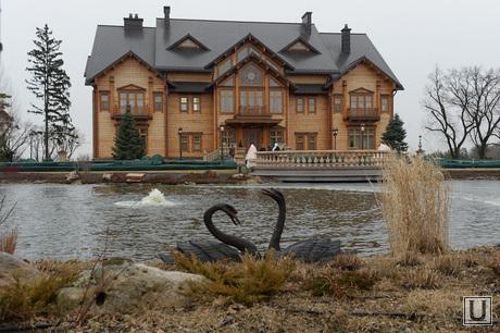 Дом Януковича в Межгорье захвачен. Украина., дом януковича, межгорье