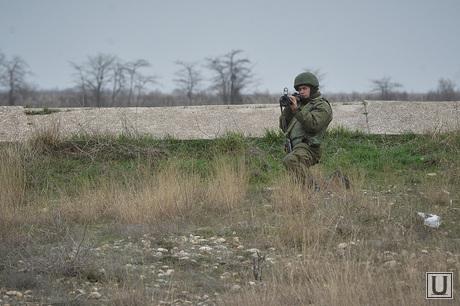Безоружные украинские военные встретились с Российскими. Переговоры.Севастополь. Аэропорт Бельбек, гранатомет, армия, военные, солдаты