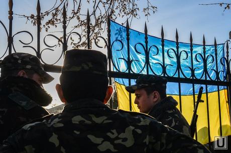 Севастополь. Ночь в воинской части А4515. в ожидании штурма, военные, флаг украины, солдаты