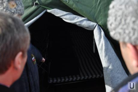 Кокорин в мобильном городке МЧС. 12.03.2014, передвижной пункт мчс курган