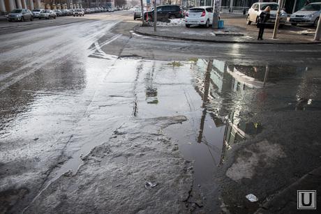 Грязь на начало весны. Екатеринбург, грязь