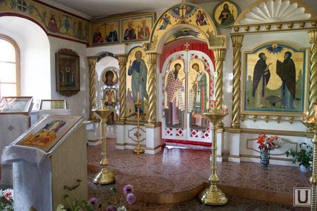 Богоявленский храм Курган, иконостас, иконы, храм