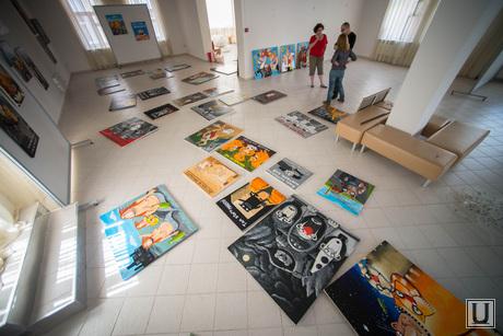 Подготовка выставки работ Васи Ложкина в Галерее современного искусства. Екатеринбург, галерея современного искусства