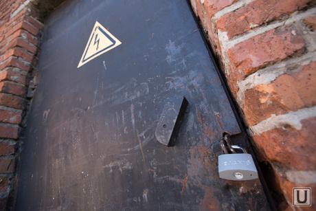 Рейдерский на Овощебазе 4. Екатеринбург, замок, электорщиток, закрытая дверь