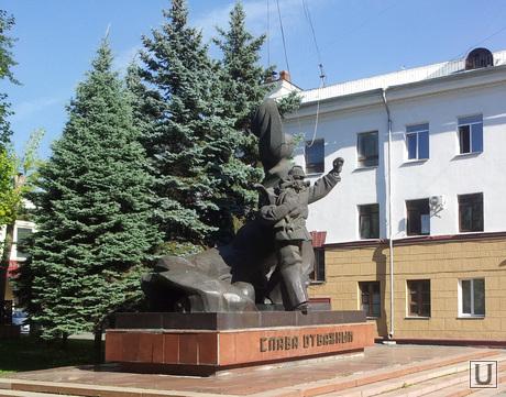 уродливые памятники челябинска, отважный пожарный