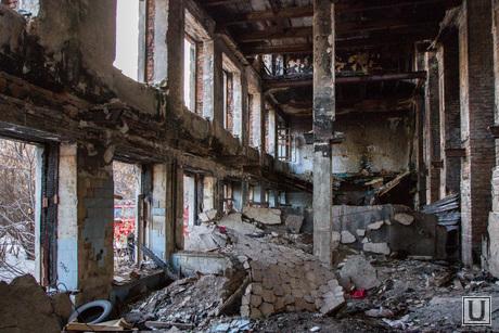 Пожар в заброшенной больнице в Зеленой роще. Екатеринбург, разруха, заброшенная больница
