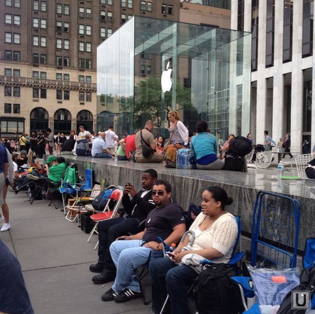 Очередь за iPhone6 в Нью-Йорке
