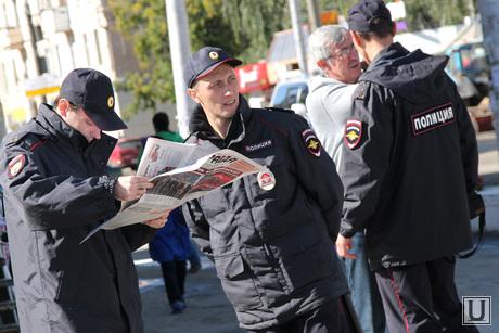 Пикет КПРФ Курган, полицейские