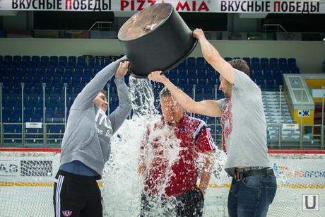 Алексей Бобров принял участие в Ice Bucket Challenge. Екатеринбург