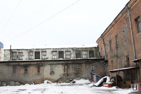 Комиссия городской думы по бюджету Курган, двор бани