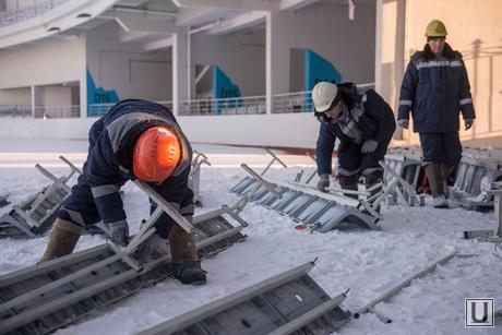 Разбирают трибуны Центрального стадиона. Екатеринбург