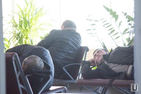 Аэропорт. Ханты-Мансийск., аэропорт ханты-мансийск, задержка рейса, уснул