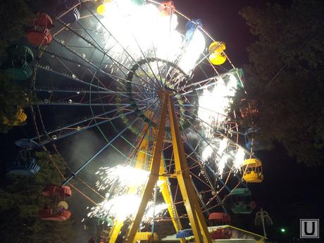 Зимнее солнцестояние, парк Гагарина, Челябинск, огненное колесо обозрения, аттракцион, колесо обозрения, фейерверк