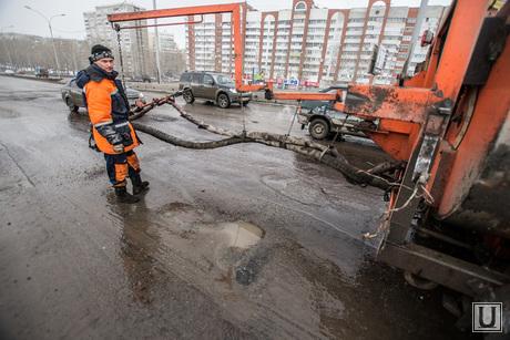 Ямы на дорогах Екатеринбурга., ремонт дорог, ямочный