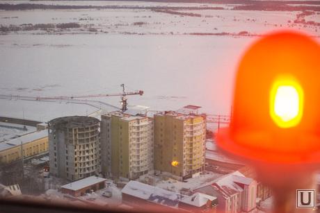 Обновленная стела. Экскурсия для СМИ. Ханты-Мансийск., новостройка, кризис жилья