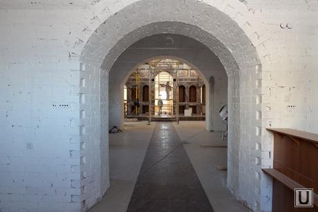 Богоявленский храм Курган, богоявленский храм, главный вход
