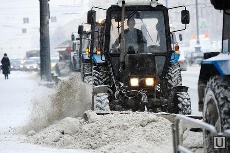 Снегопад. Уборка города. Челябинск., трактор, зима, снегоуборщики