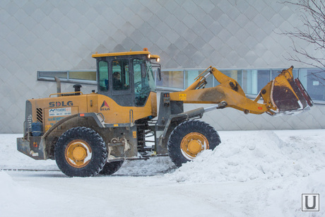 Уборка снега. Ханты-Мансийск.