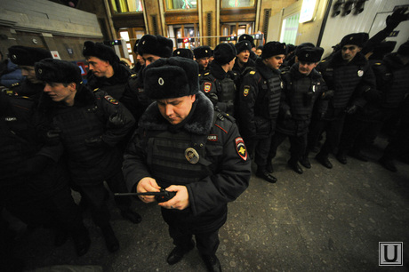 Сход в поддержку братьев Навальных на Манежной площади. Москва, полиция