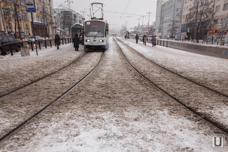 Грязный снег. ЕКатеринбург, грязь, екатеринбург, плохая погода, снег