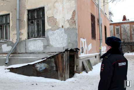 Обрушение перекрытия в поликлинике №5 Курган, угол здания где обрушилось перекрытие