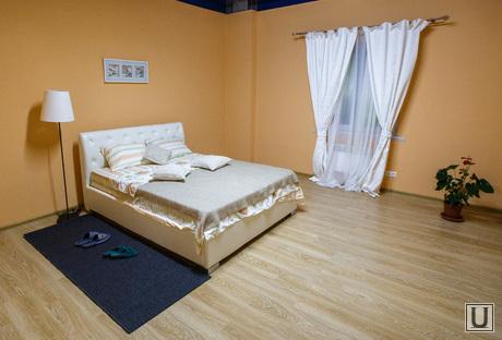 Визит Куйвашева в Нижний Тагил, спальная, недвижимость, кровать, квартира, интерьер