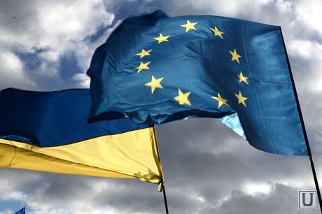 Евромайдан. Киев. Украина, флаг украины, флаг евросоюза