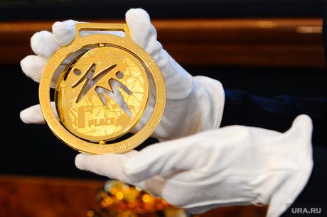 Презентация кубков и медалей для ЧМ по тхеквандо. Челябинск., золотая медаль, медаль 1 место