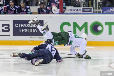 «Металлург» – «Салават Юлаев». Плей-офф. Первая игра. Магнитогорск, коварж ян, падение